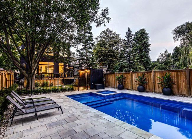 Amazing Swimming Pool in Custom Backyard - Home Design Toronto