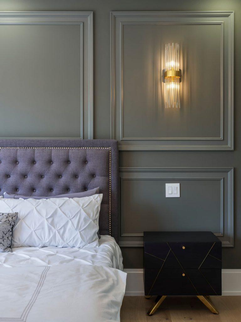 amazing-bathroom-with-wainscoting-wall-trim-home-renovations-toronto