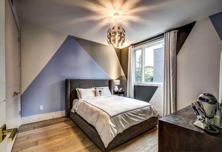 Luxury Wallpaper in Custom Bedroom - Custom Homes Toronto