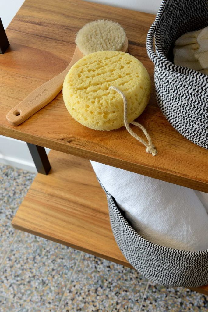 bathroom custom shelves - home remodeling toronto