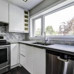 classic-kitchen-renovation-in-custom-home-mississauga