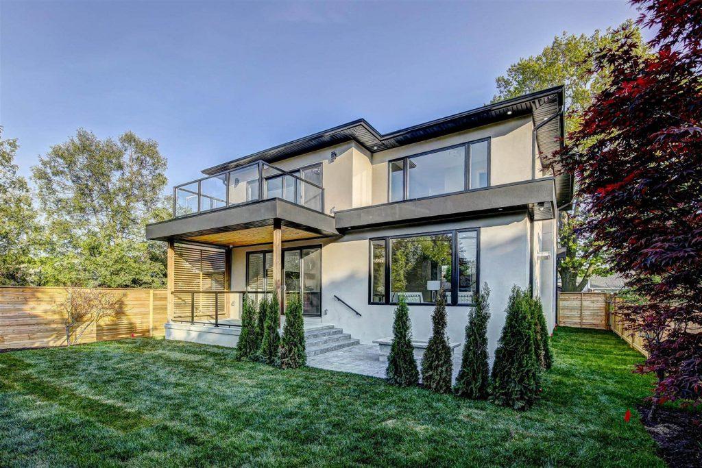 Amazing Home with Custom Backyard - Home Renovation Company