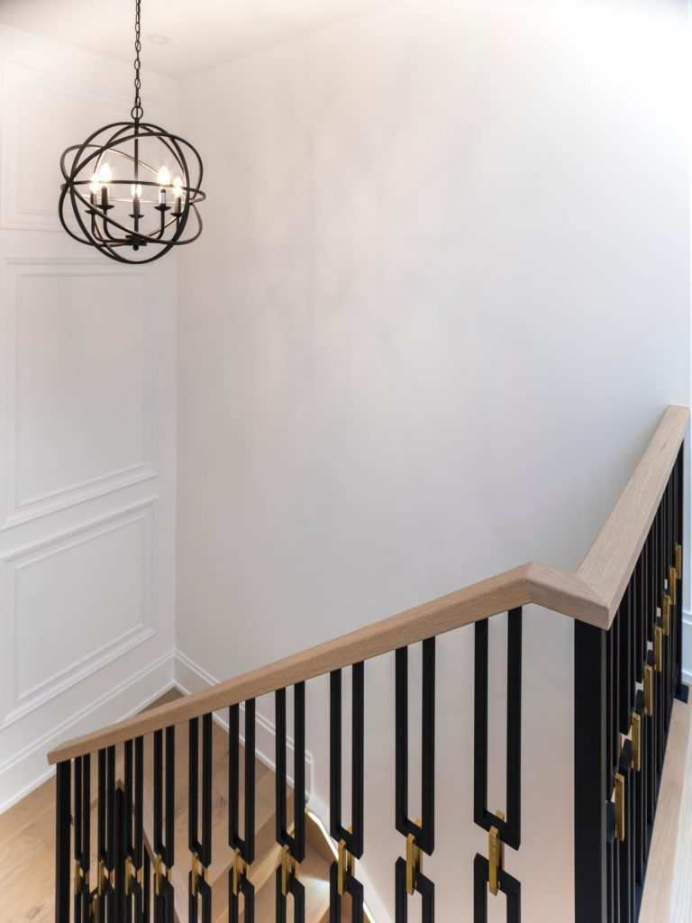 custom-staircase-with-wooden-stairs-and-steel-railings-home-renovations-toronto