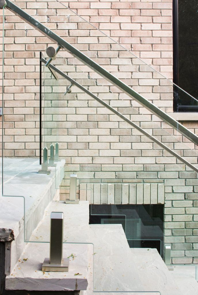 luxury-outdoor-staircase-with-glass-railings-design-build-toronto