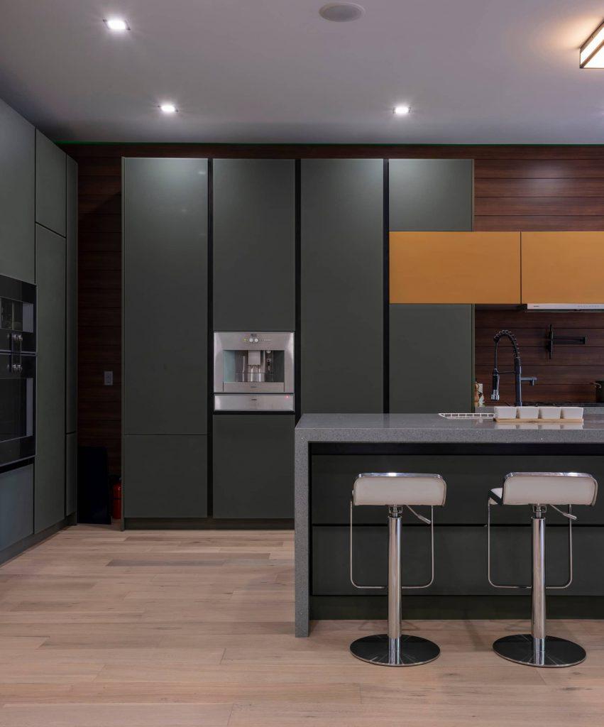 modern-custom-kitchen-renovation-GTA