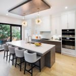 modern-kitchen-with-wooden-floor-and-build-in-appliances-kitchen-renovations-mississauga
