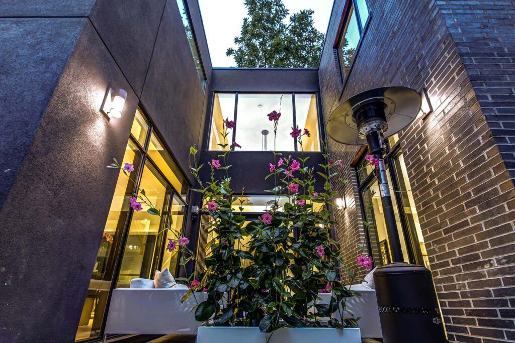 Amazing Home Addition by Nicks Developments Oakville